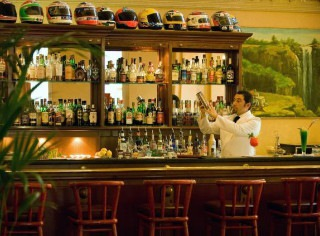 Bartender Marco Olivieri, Palace Grand Hotel Varese