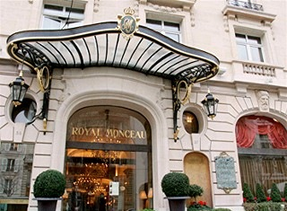 Le Royal Monceau Paris, 1990