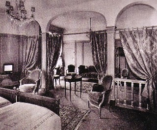Le Royal Monceau, Suite 1928