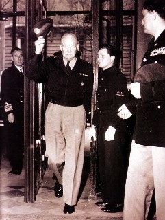 General Eisenhower im Le Royal Monceau