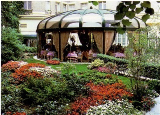 Le Royal Monceau, 1990