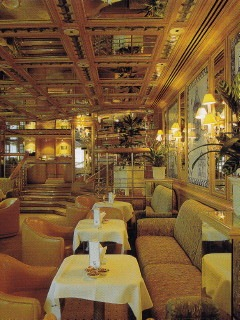 The Dorchester, Bar in den 1990er Jahren